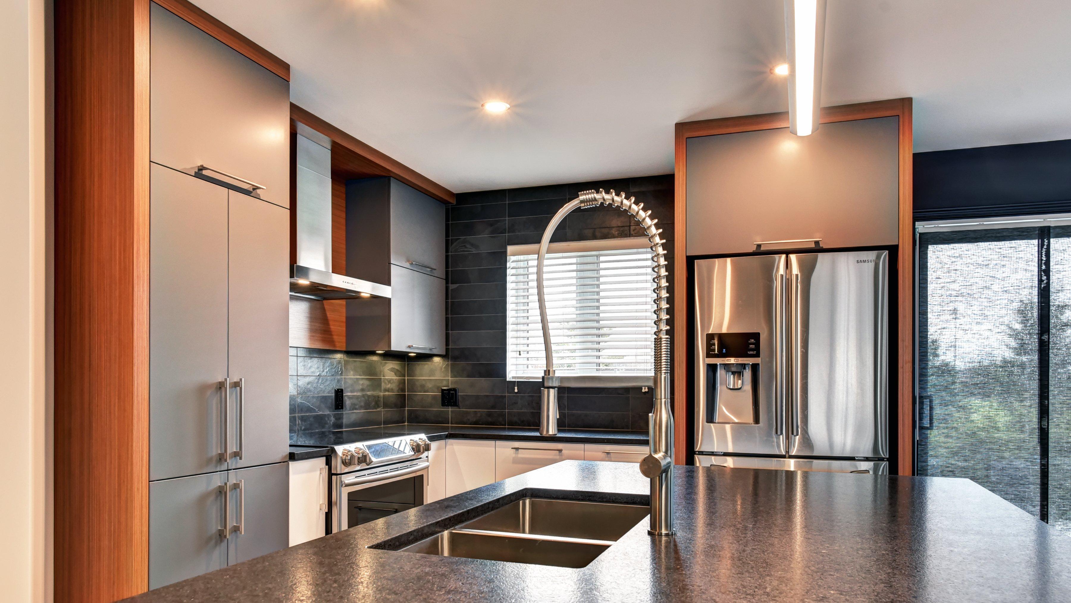 Modergo - Réalisation de projet d'armoire de cuisines